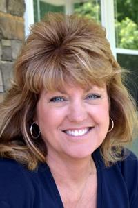 Dee Dee Lyons
