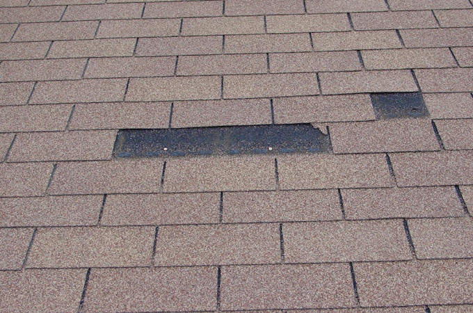 replace-a-damaged-shingle
